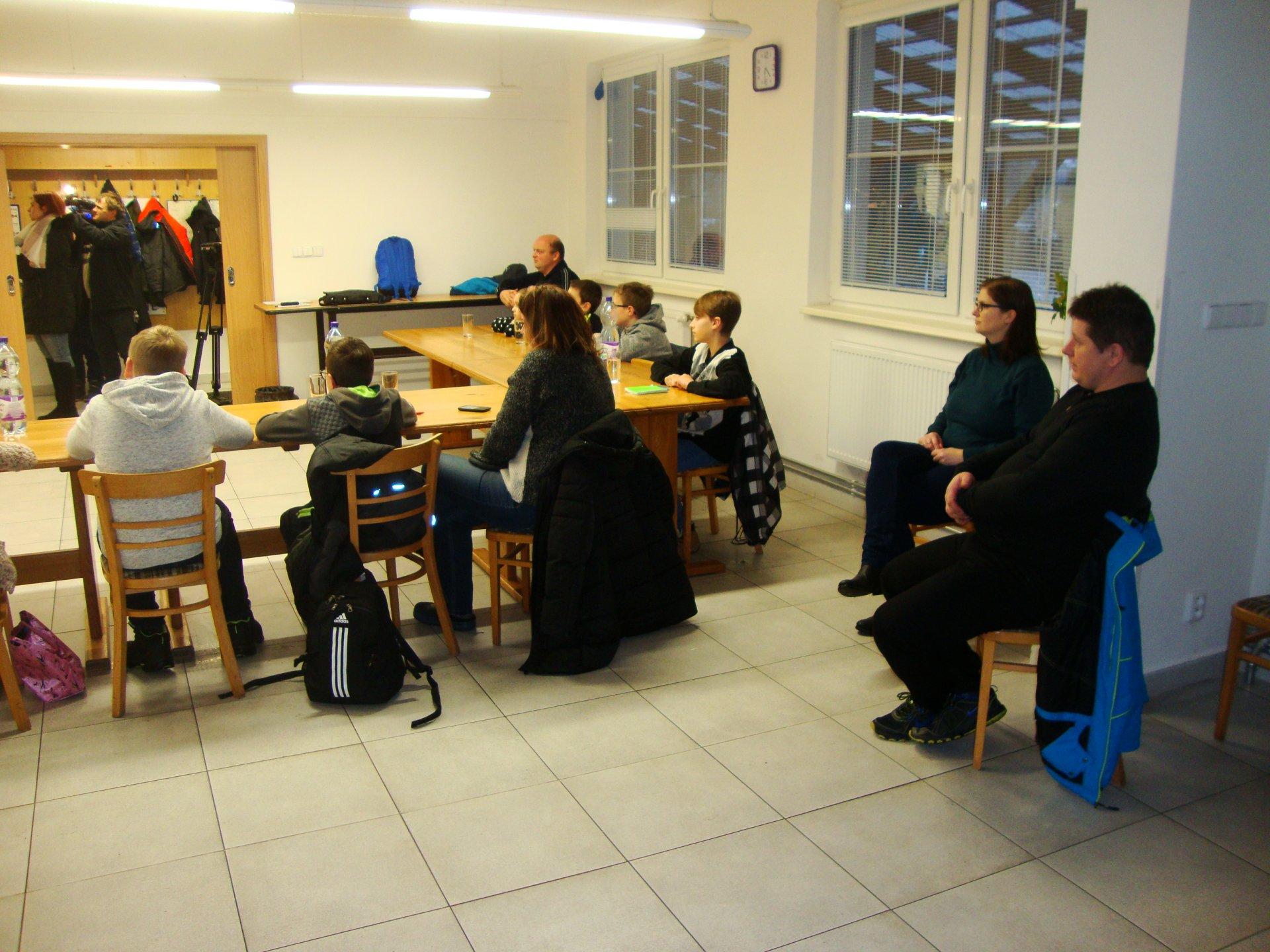 Zahájení Rybářského kroužku mládeže - slovem i obrazem