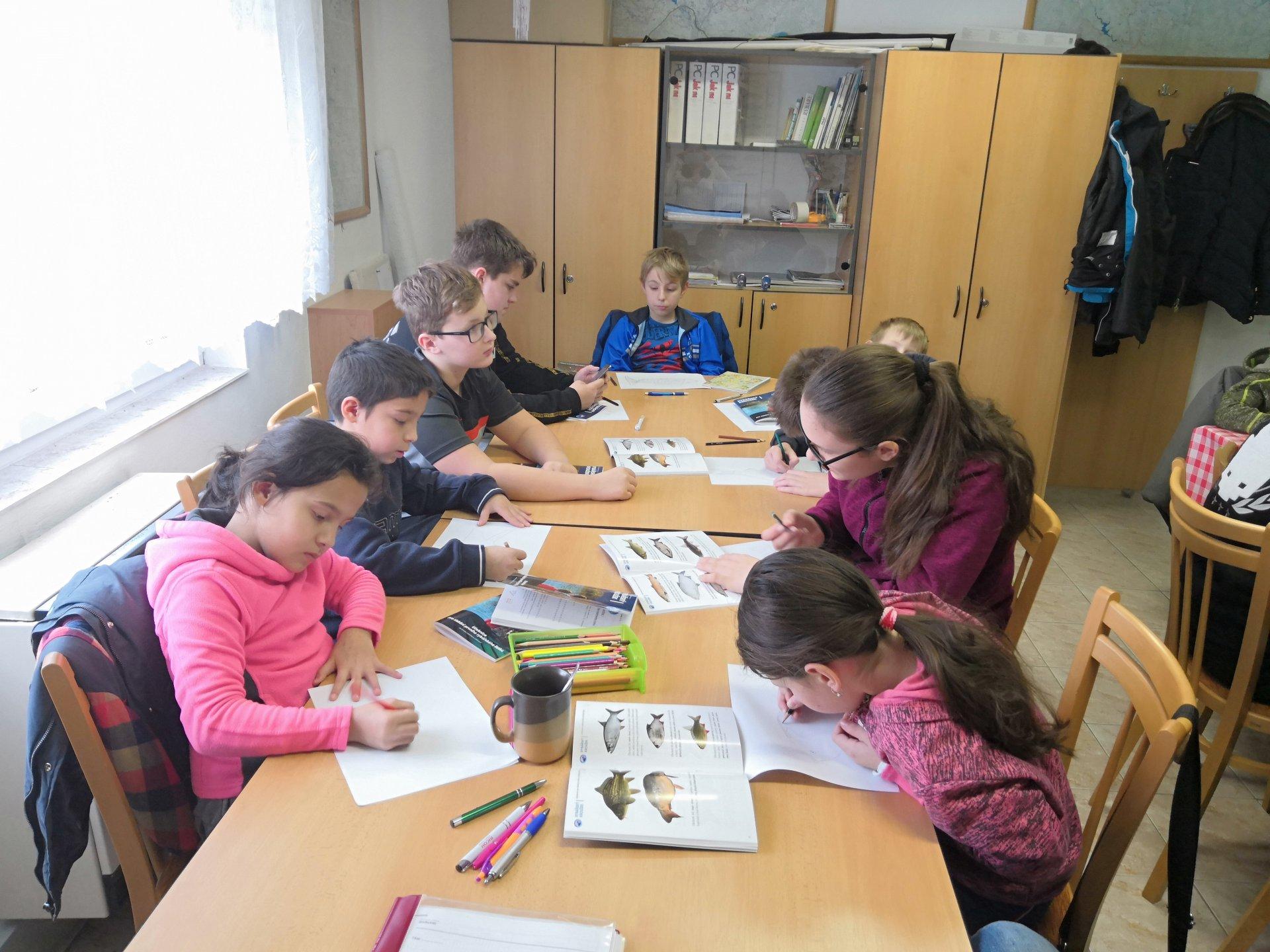 Zájem o Rybářský kurz mládeže v Babicích předčil očekávání